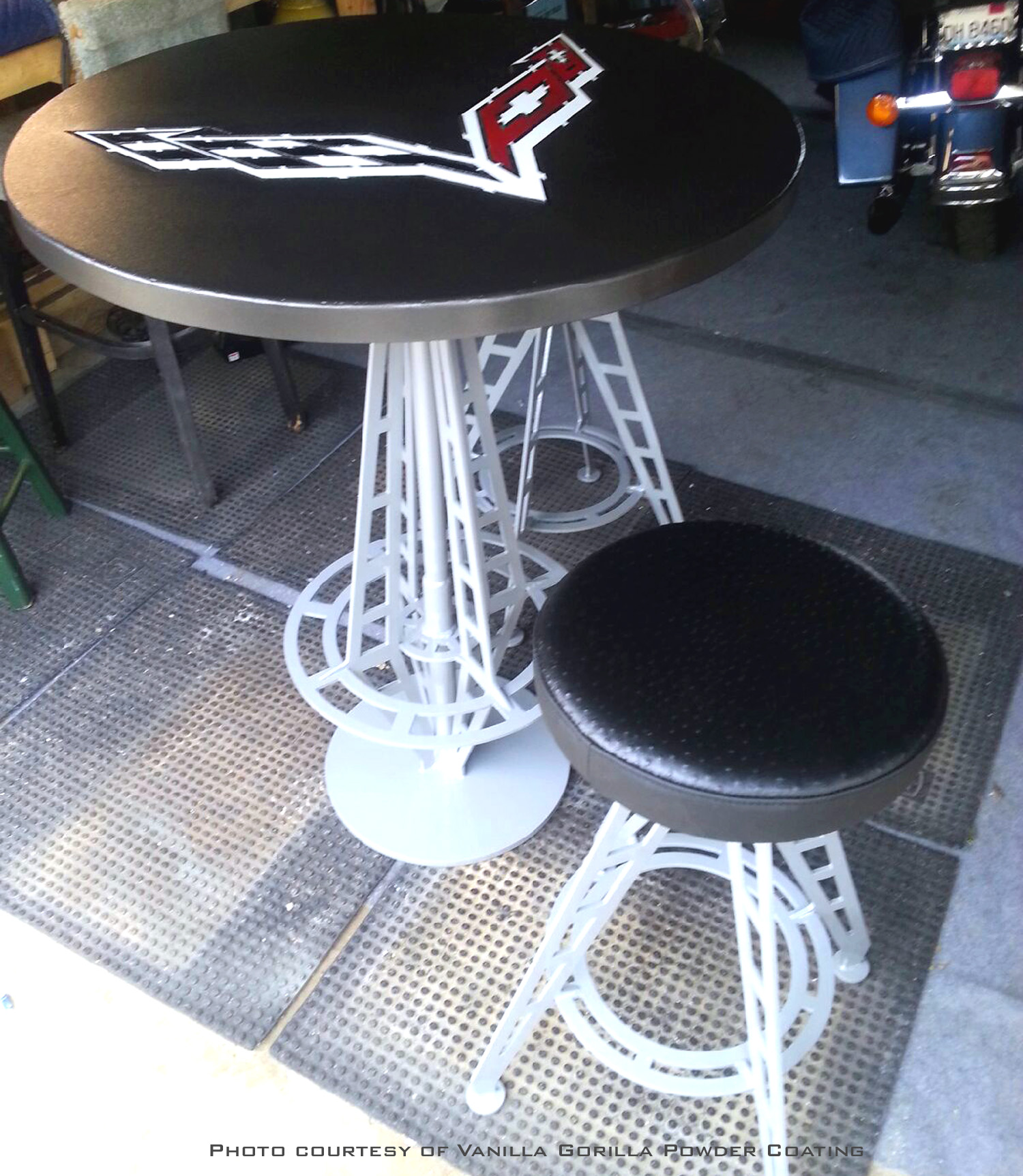 Multiple colors powder coated table with matching chairs